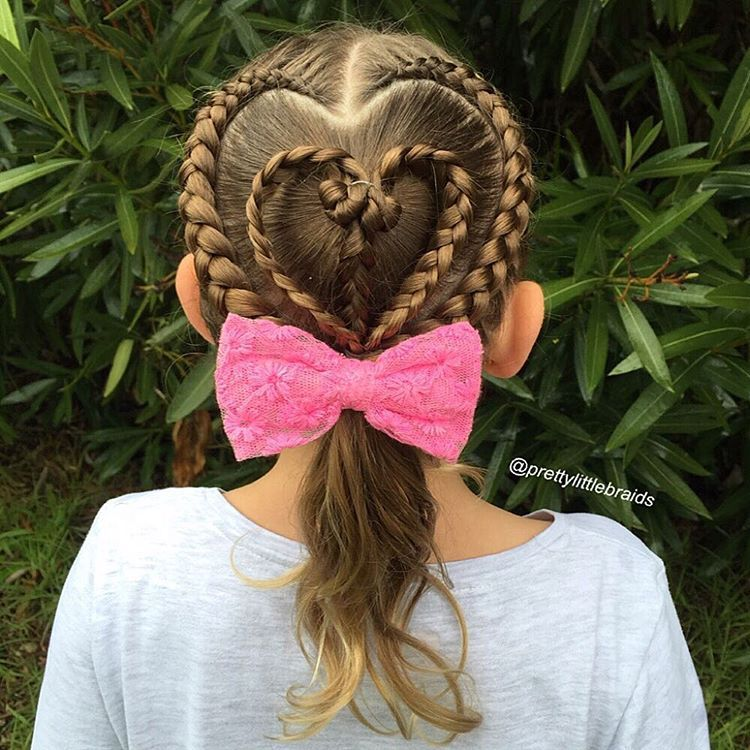 BRAIDED HAIRSTYLE WITH A PONYTAIL