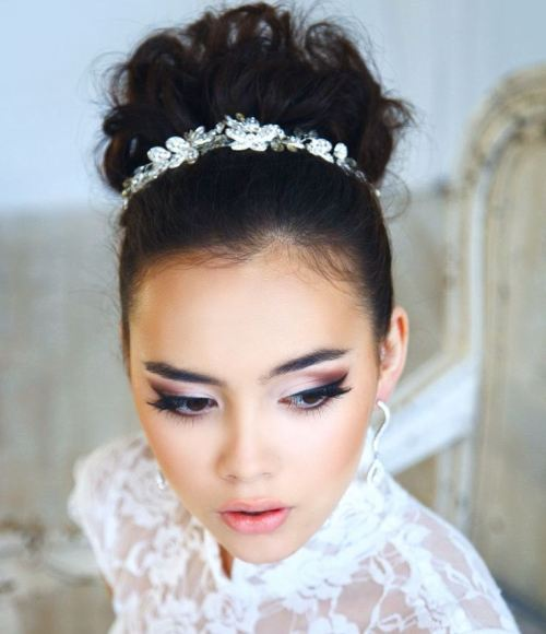 CHIC WHIMSICAL BUN