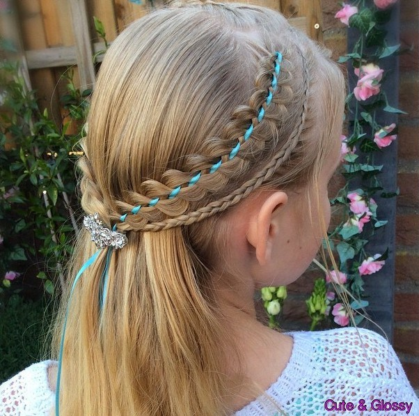 HALF UP HAIRSTYLE WITH RIBBON BRAIDS