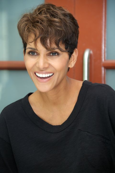 HALLE BERRY'S WISPY STRANDS AND SHORT SIDES