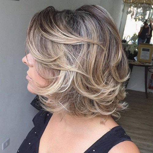 Hairstyles for Women Over 40 Full and Flirty