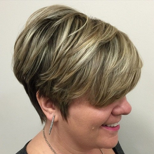 Hairstyles for Women Over 40 Heavy Side Swoop