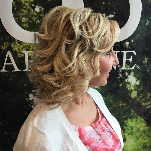 Hairstyles for Women Over 40 Sweet Spiraled Layers