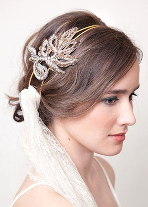LOOSE UPDO WITH A FANCY HEADBAND