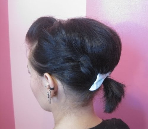 PONYTAIL POOF UPDO