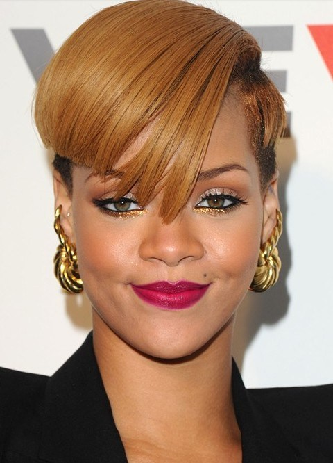 Rihanna Hairstyles Aysmetric Short Haircut