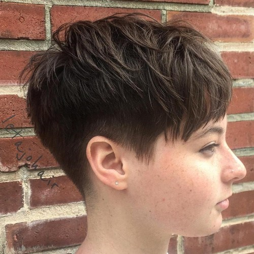 SHORT AND TOUSLED PIXIE