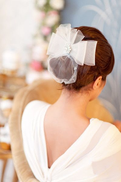 SWEET WEDDING HAIRSTYLE FOR MEDIUM LENGTH HAIR