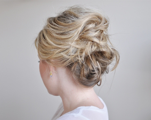 TRIPLE TWIST UPDO