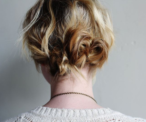 TWIST AND PIN MESSY UPDO