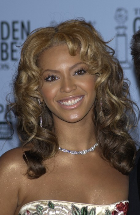 BIG BLONDE HOLLYWOOD RINGLETS WITH A MIDDLE PART