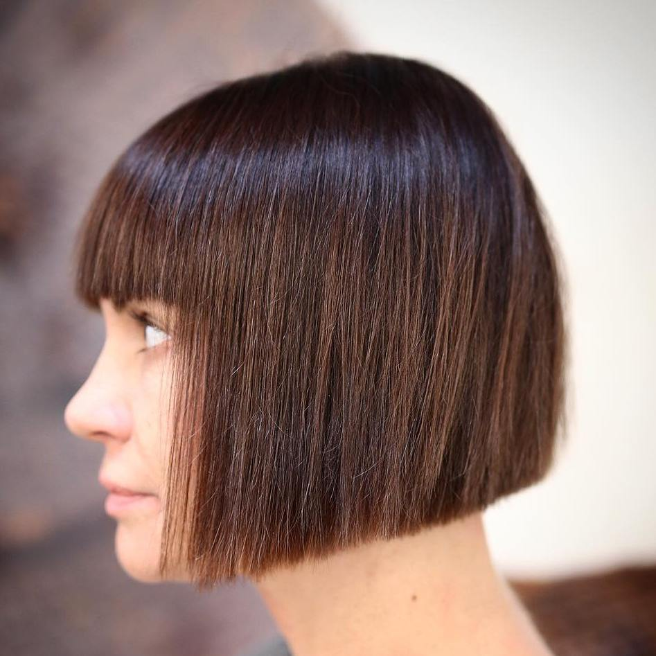 BLUNT CUT ANGLED BOB FOR STRAIGHT HAIR
