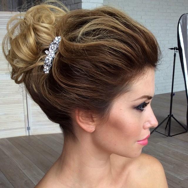 ELEGANT HAIRDO FOR OMBRE HAIR