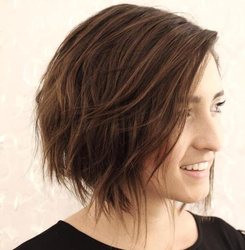 MESSY BOB WITH WISPY LAYERS