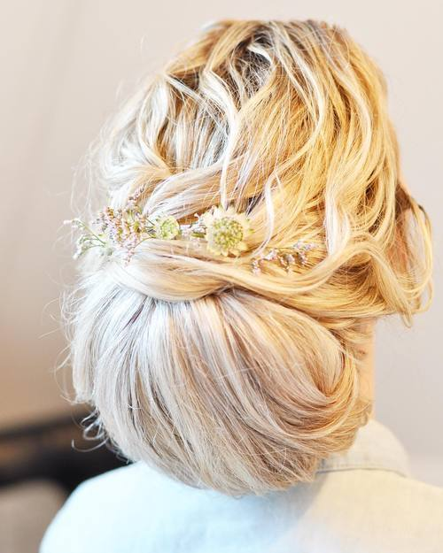 MESSY CHIGNON UPDO FOR LONG THICK HAIR