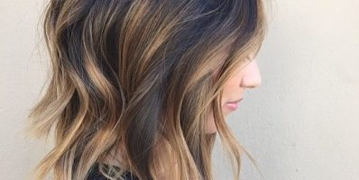 Medium layered brunette balayage hair