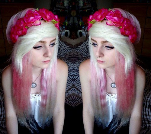 PRETTY FLORAL BAND AND DEEP DYE