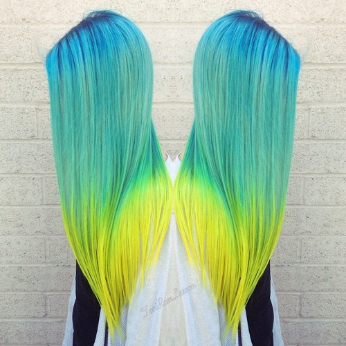 STUNNING TURQUOISE OMBRE HAIRSTYLE