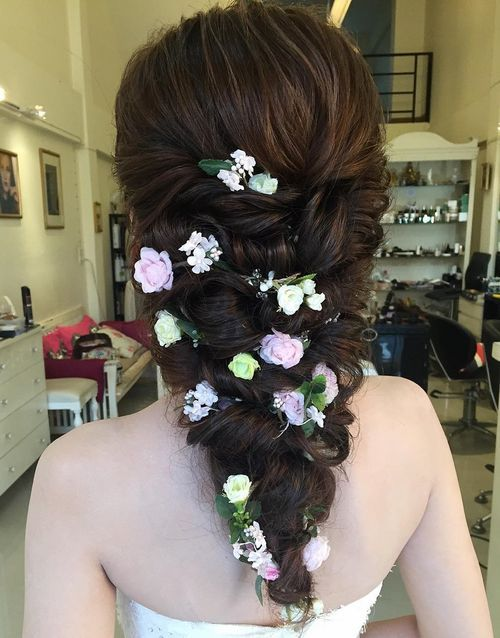 Vshaped wedding hairstyle for long hair