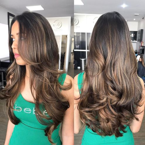 Wavy brunette hairstyle for long hair