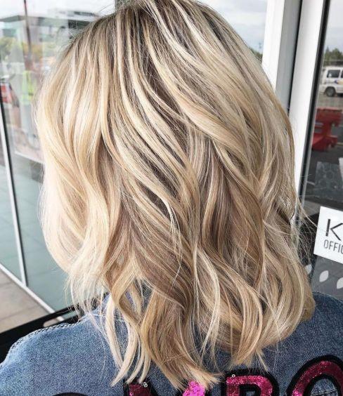 Wavy medium hairstyle