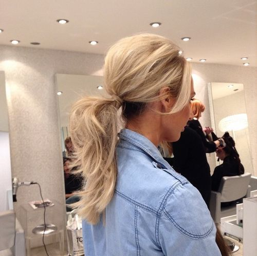 Simple blonde pony with a bouffant