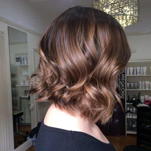 Soft wavy brown bob with shaggy ends