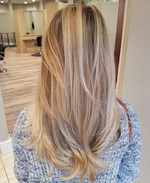 Long bronde hair with layers