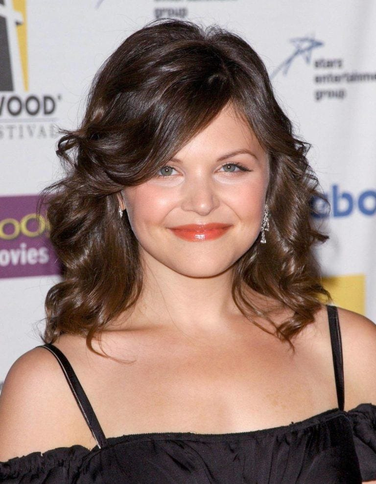 ginniger goodwin short curly haircuts for round faces