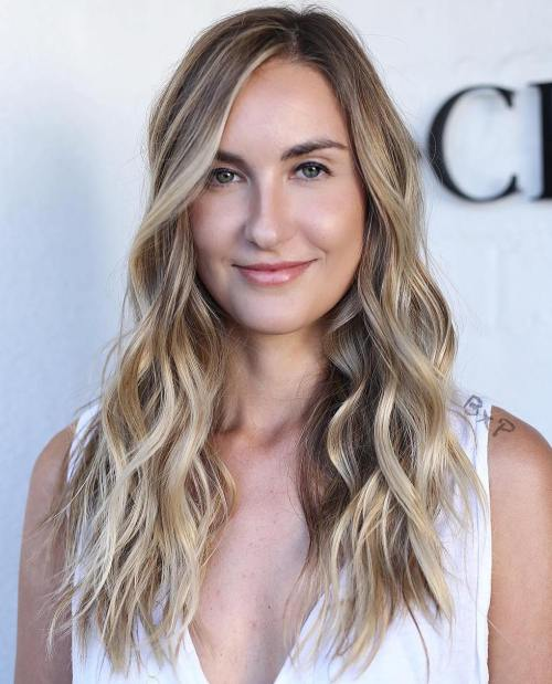 Wavy layered hairstyle for long hair